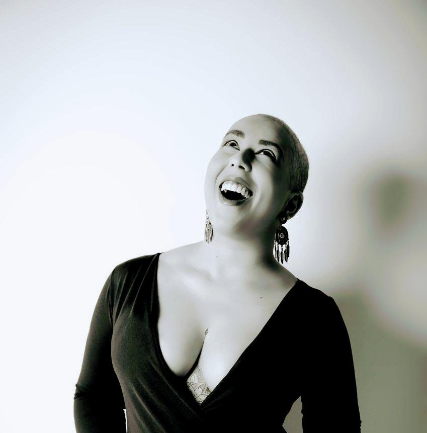 Outubro Rosa -  Hey, meninas! Câncer de mama é papo sério, se toca!  Por Patricia Marques